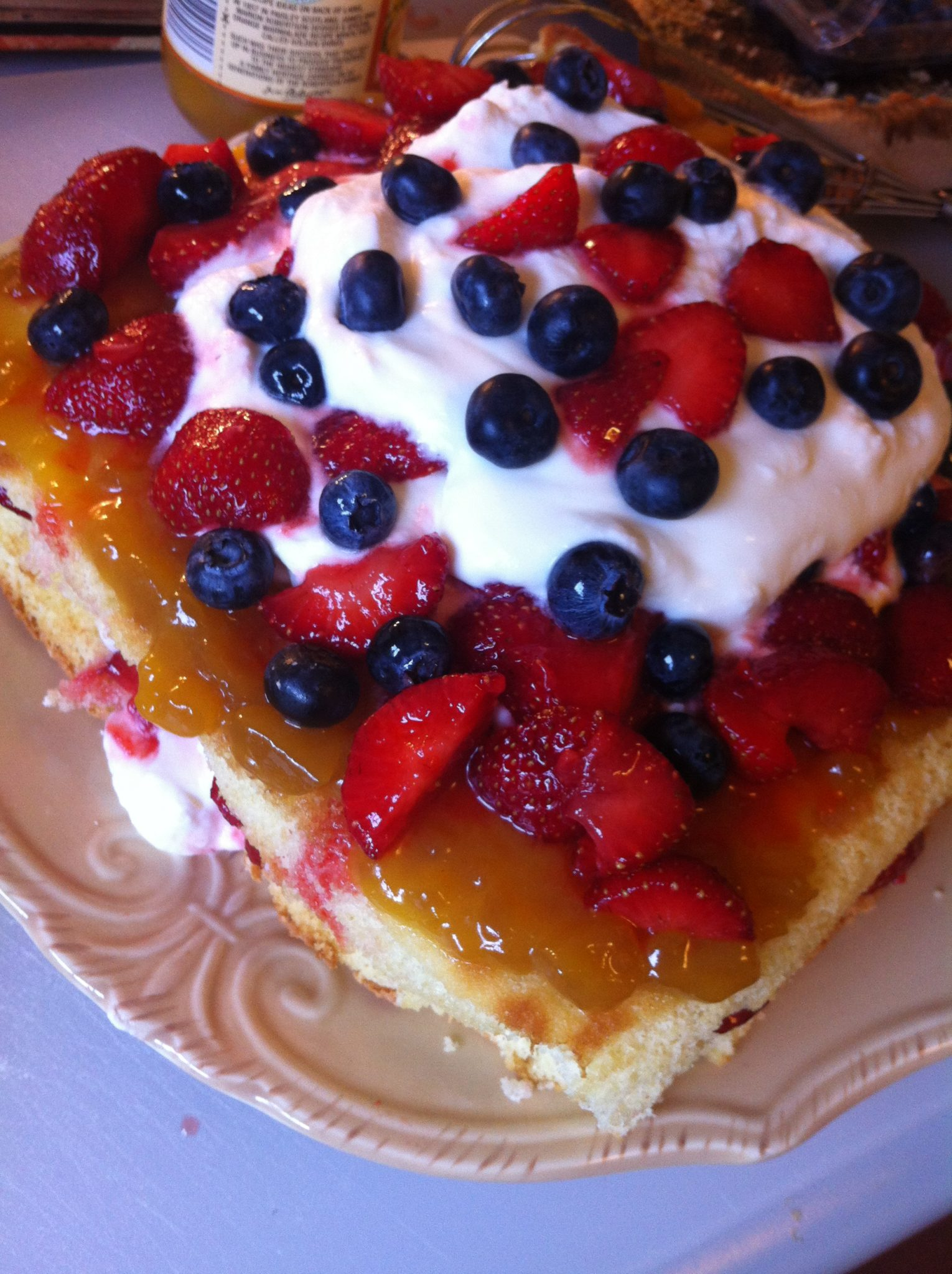 Summer Berry Berry Lemonade Cake