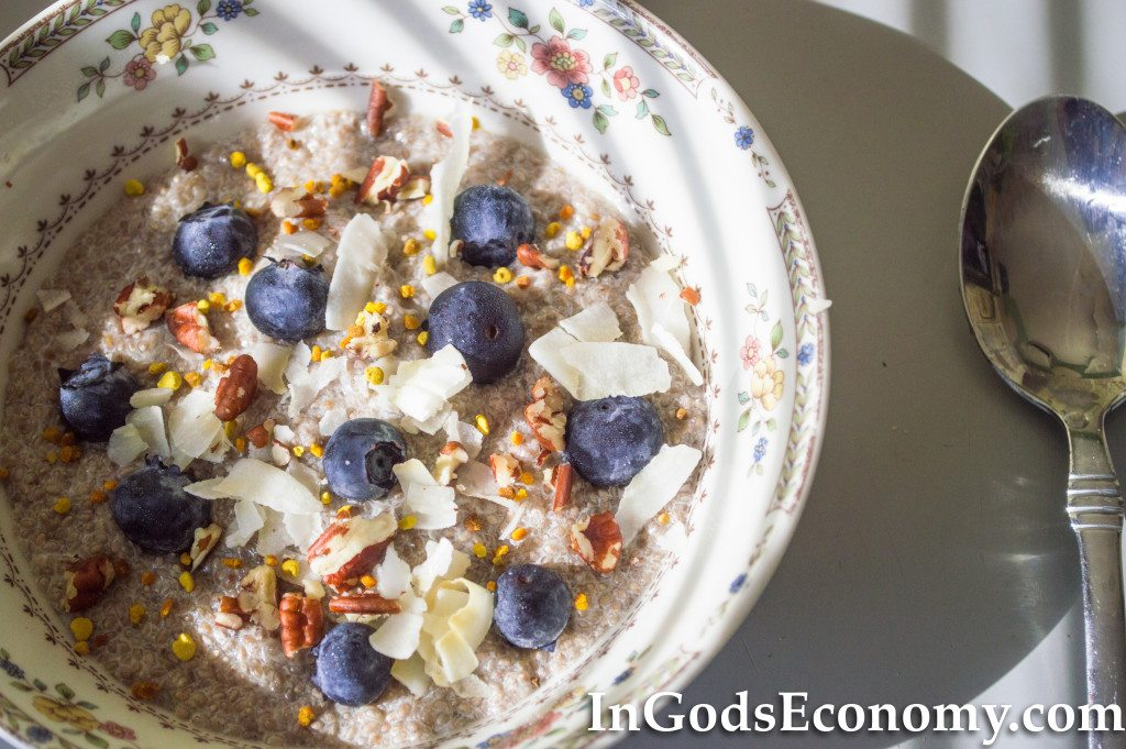 Quick and Healthy Chia Seed Breakfast Bowl!